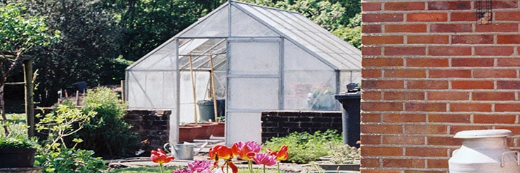 Can-a-Greenhouse-Be-in-the-Shade